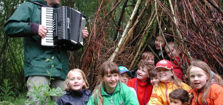 Unmada – Kinderchor im Wald