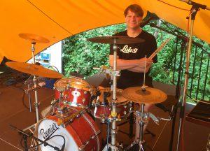Müllpiraten Schlagzeuger Dirk Zühlsdorff wünscht sich die Regenwolken weg