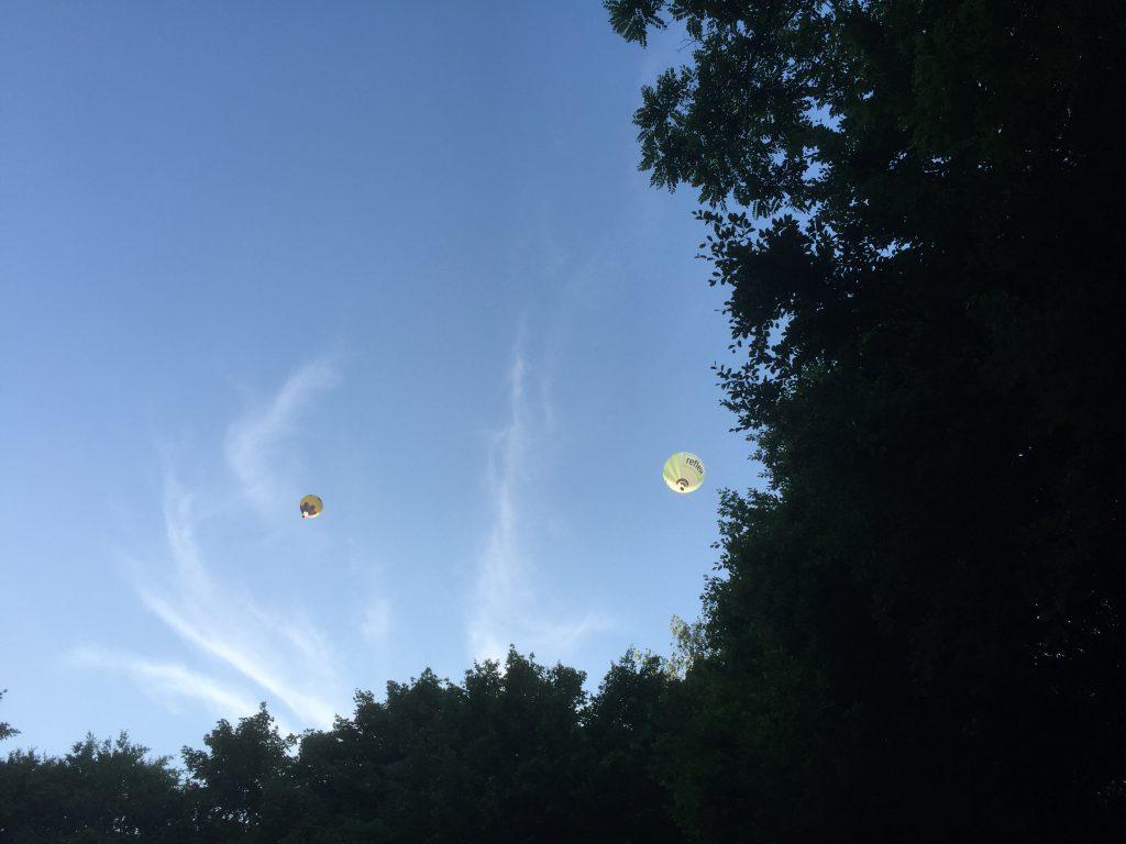 Der Himmel reißt auf - pünktlich zu Beginn der Kieler Kinderliederwoche