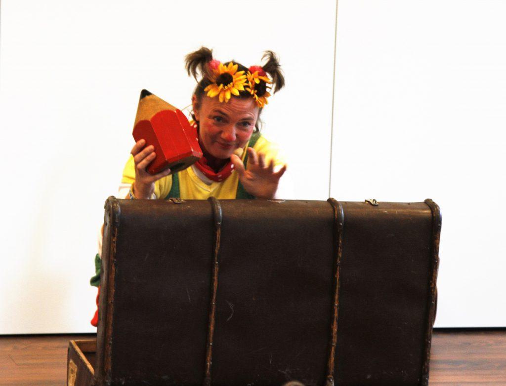 Die Kinderliedermacherin Astrid Hauke alias Lieselotte Quetschkommode