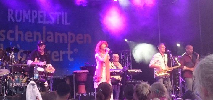 """""""Rumpelstil"""" bei ihrem Taschenlampenkonzert in Bonn"""