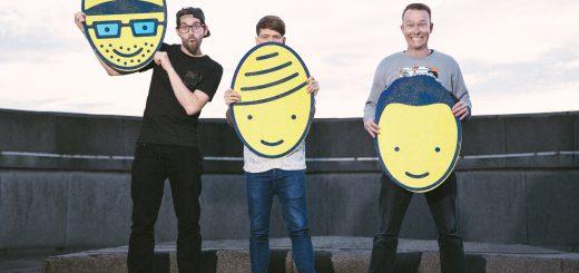 """Florian Sump, Markus Pauli und Lukas Nimscheck von der Band """"Deine Freunde"""" (Foto von Michi Schunck)"""