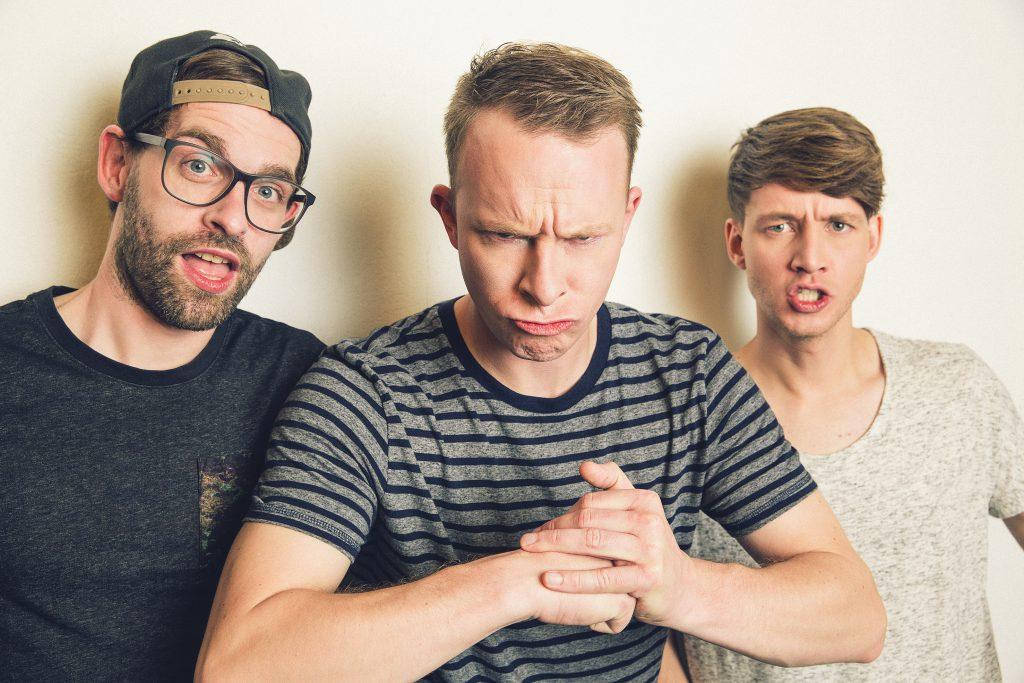 """Florian Sump, Markus Pauli und Lukas Nimscheck von der Band """"Deine Freunde"""""""