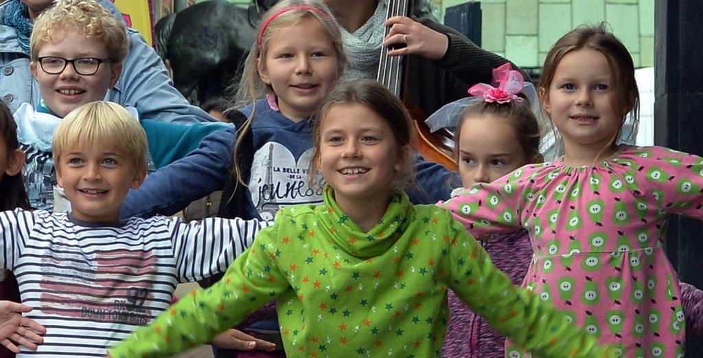 """""""Wir schreiben Lieder, die Kinder auch singen und verstehen können"""": Imke Burma über das Projekt """"Bremen so frei"""". (Foto: Michael Bahlo)"""
