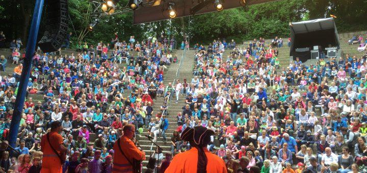 Wie schon im letzten Jahr werden Matthias und die Zappelbande die Kieler Kinderliederwoche 2017 eröffnen