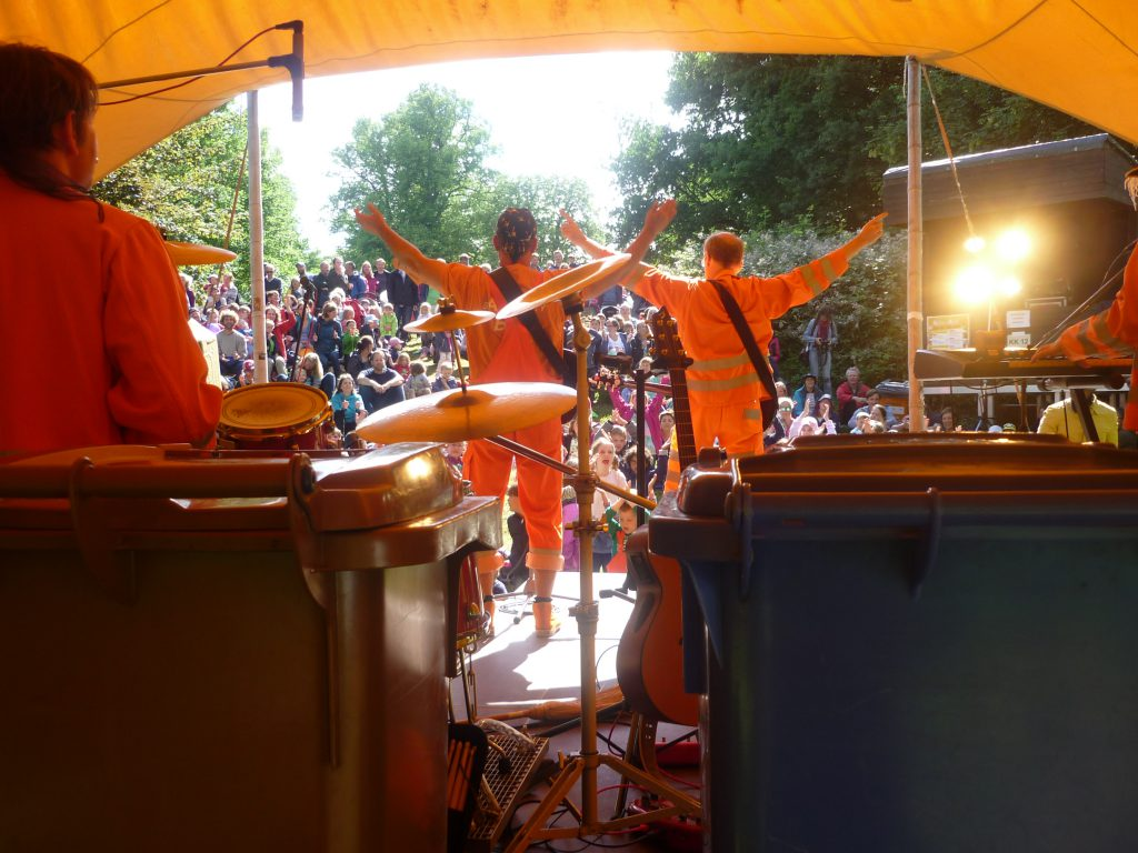 Am Samstag freuen sich die großen und kleinen Fans auf die Müllpiraten