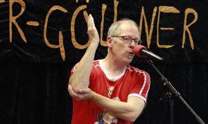 """Matthias Meyer-Göllner auf seinem """"Tourstop"""" in Felm."""