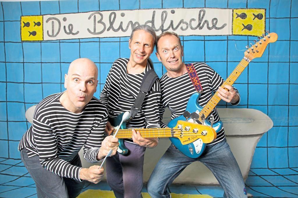 Nicht nur Inhalt, sondern auch Sound mit Bedeutung: Die Blindfische musizieren mit Wasser.
